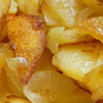 Сковорідка картоплі та бекону