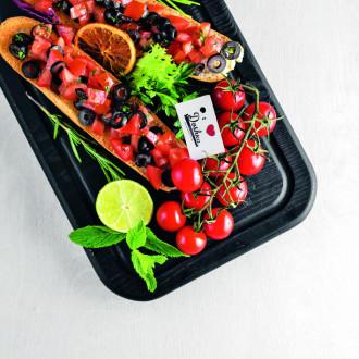 Брускетта з томатами та оливками